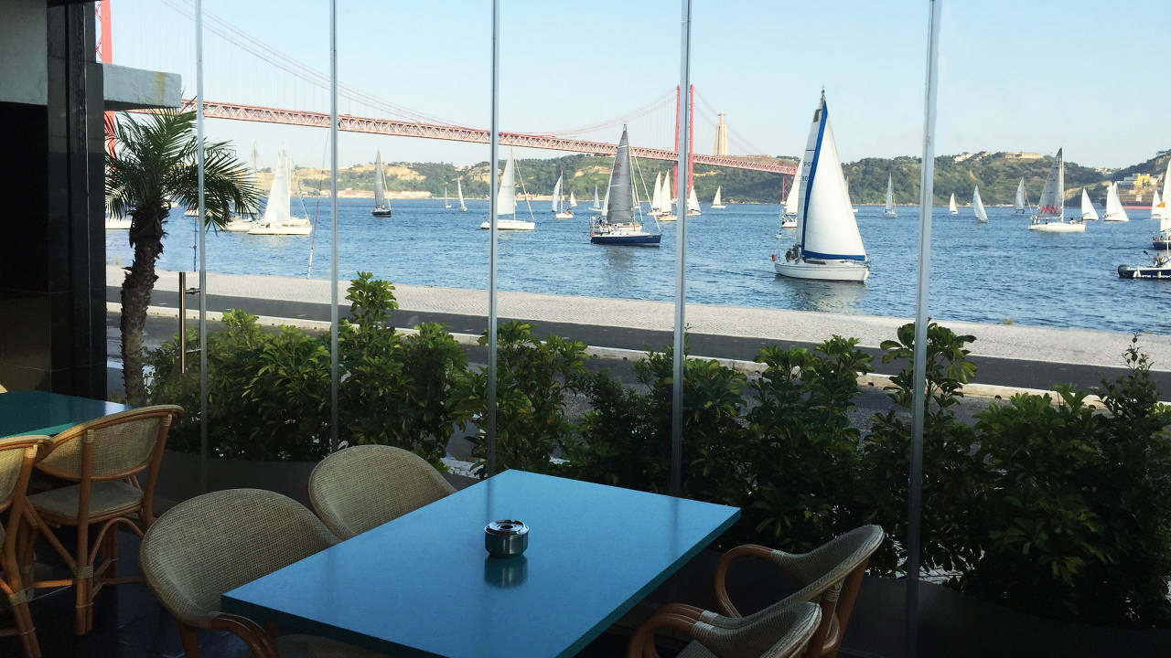 cafein_bar_vista_tejo